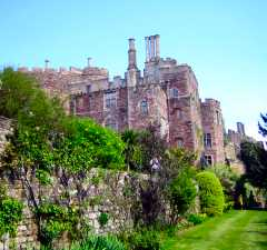 Berkeley Castle Garden