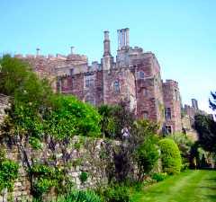 Berkeley Castle Garden