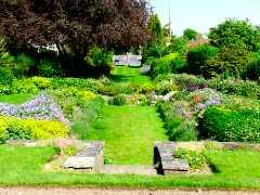chaldon way gardens